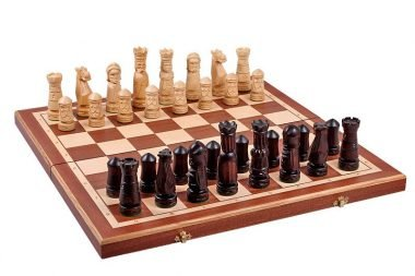 MEDIUM CASTLE CHESS SET