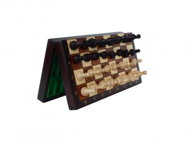 THE CLASSIC MAGNETIC CHESS