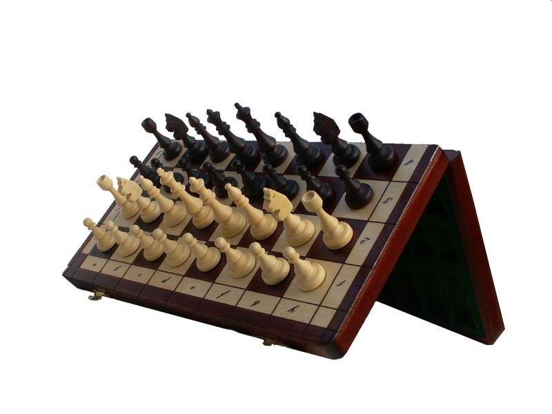 """THE MAGNETIC CHESS """"140A"""""""