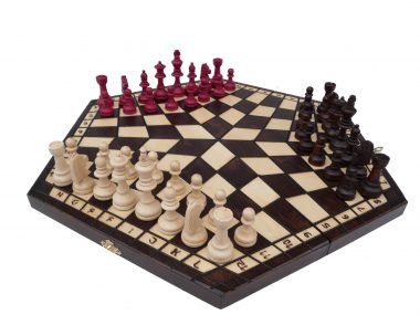 THE LARGE THREE PLAYER CHESS