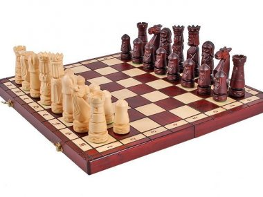 CASTLE CHESS SET (S)