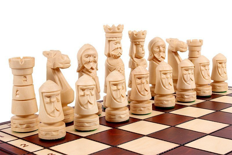 SMALL CASTLE CHESS SET
