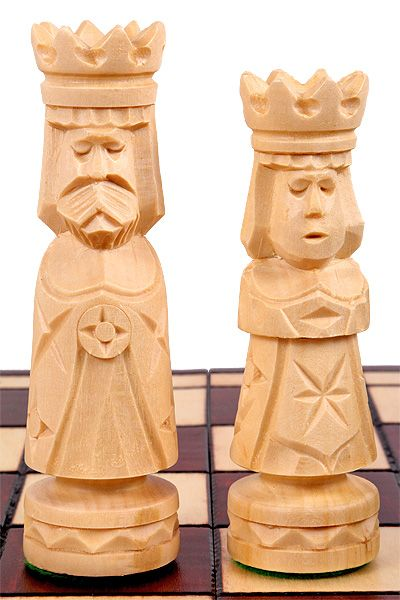 LARGE CASTLE CHESS SET