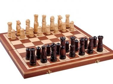 CASTLE CHESS SET (M)