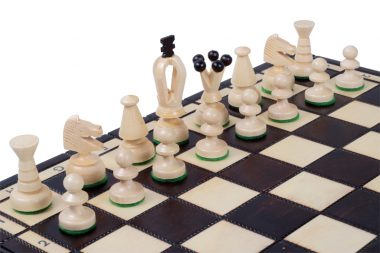 MEDIUM KING'S CHESS SET