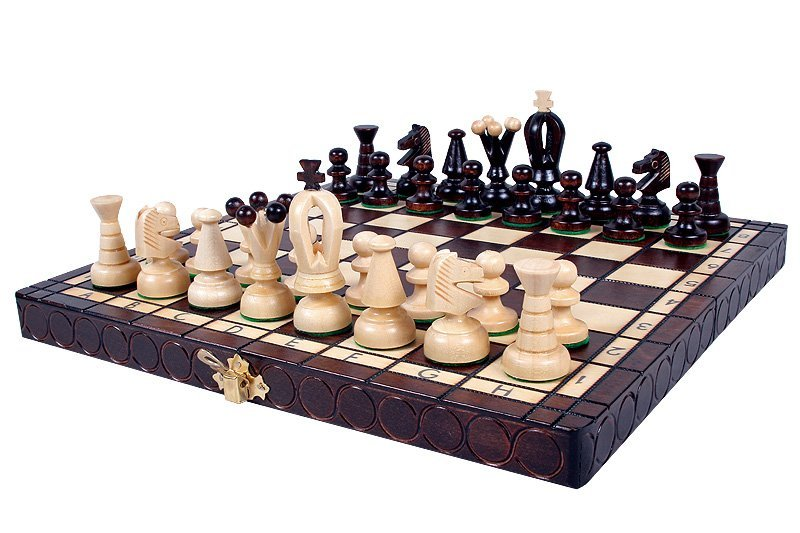 SMALL KING'S CHESS SET