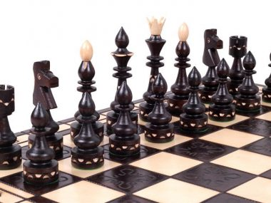 INDY CHESS SET