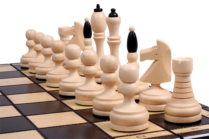 B & W CHESS SET
