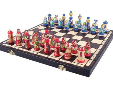 BABUSHKA CHESS SET BLUE/RED