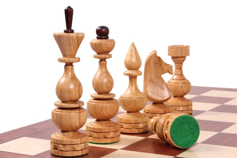 DEBIUT CHESS SET
