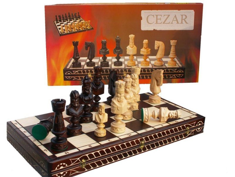 ROMAN CAESAR CHESS (L)