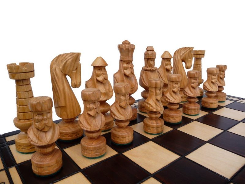 ROMAN CESAR CHESS SET