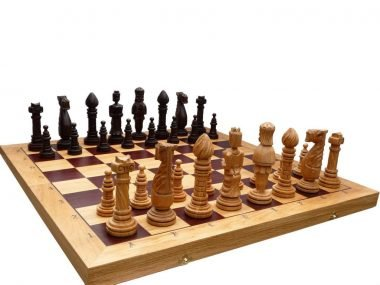 OAK MEDIEVAL CHESS SET