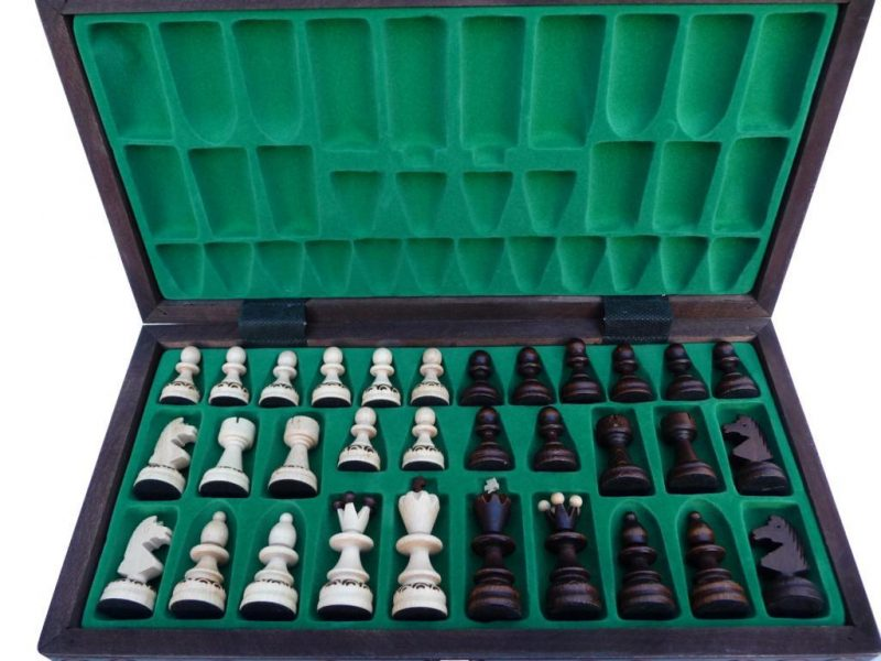 MEDIUM PEARL CHESS SET