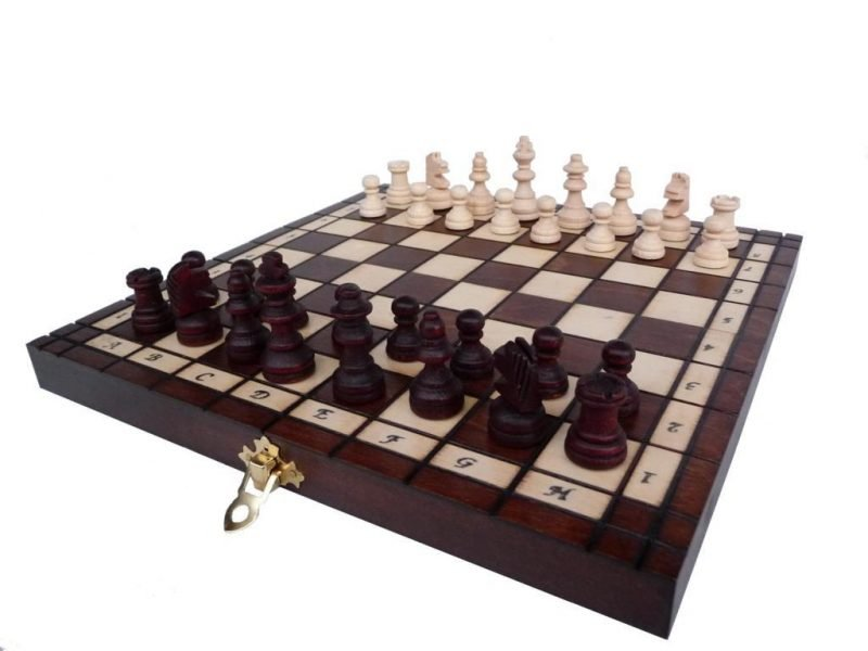 TOURIST CHESS SET