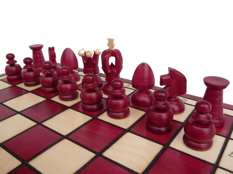 KING'S CHESS SET (L) RED