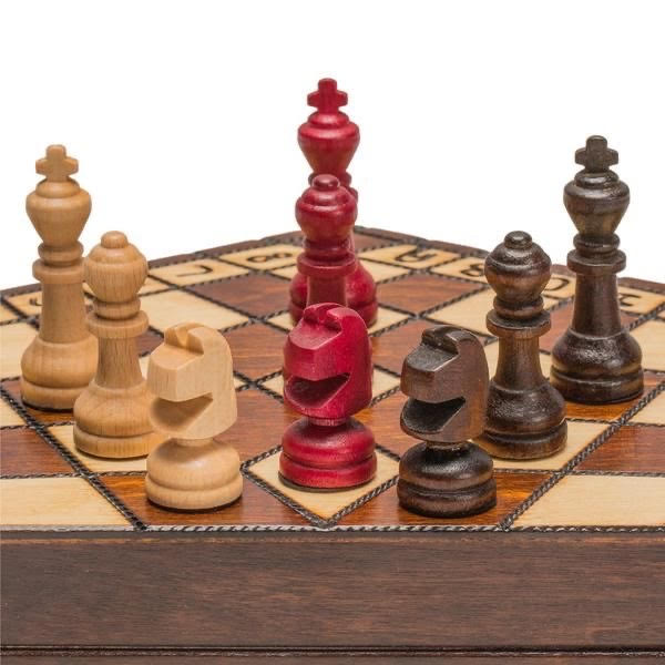 3 – PLAYER CHESS(S)