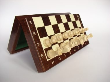 "The Magnetic Chess Set ""140M"""