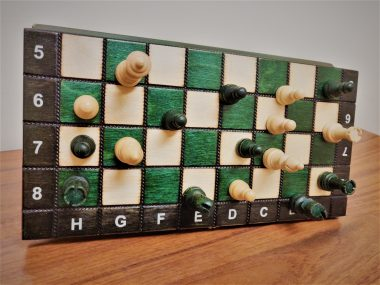 """THE MAGNETIC CHESS """"140S"""" GREEN"""