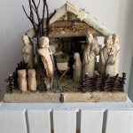 MIDDLE CHRISTMAS CRIB