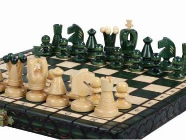 KING'S CHESS SET(S) GREEN